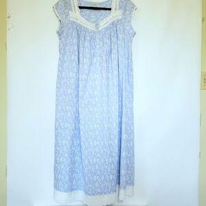 Lanz of Salzburg Vintage Floral Short Sleeve Gown